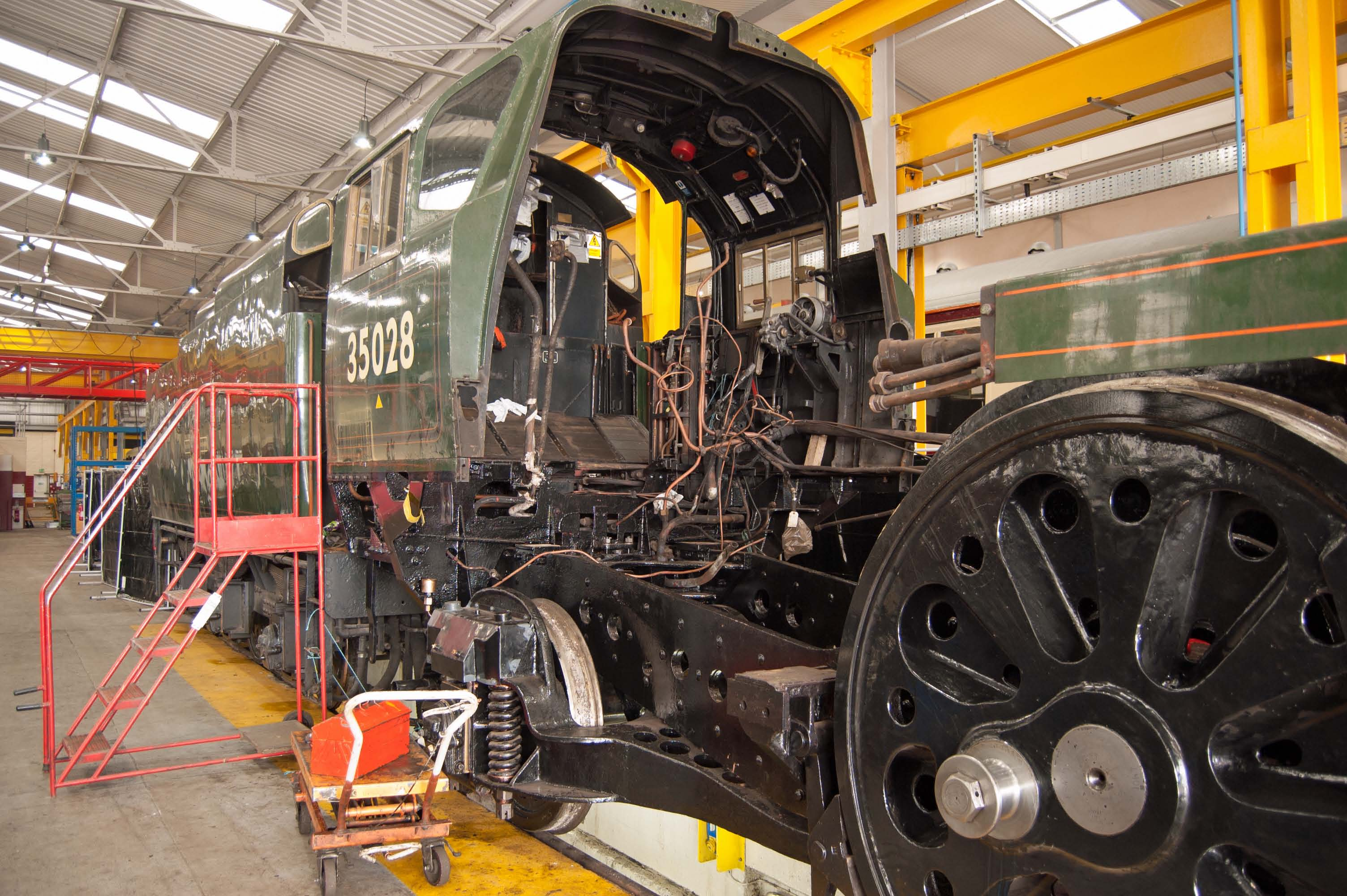 The cab has been temporarily put back so that the valves can be set (the reverser is fixed to the cab side).